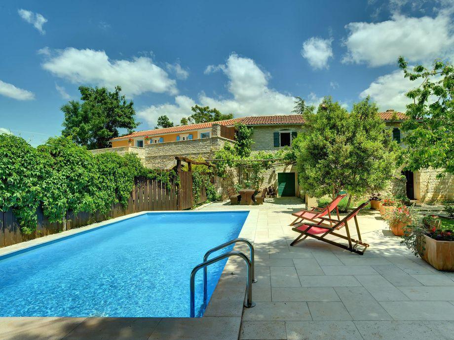 Schöne Villa mit Pool