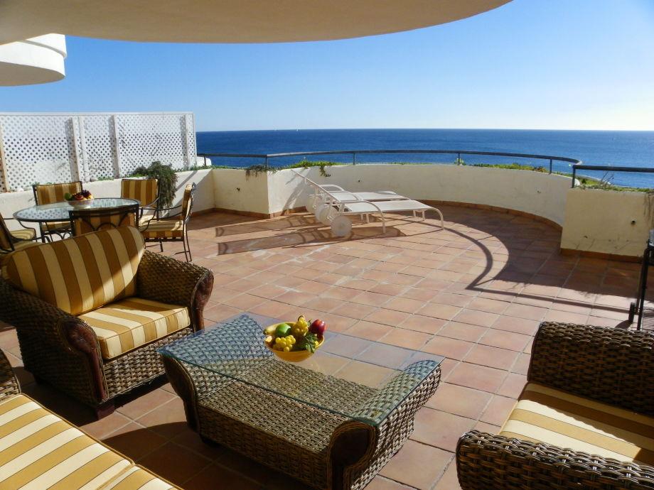 ferienwohnung strandpenthouse bermuda beach 3 estepona. Black Bedroom Furniture Sets. Home Design Ideas