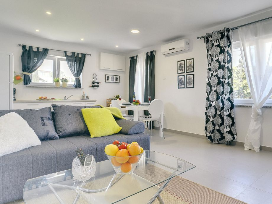 eingerichtete wohnzimmer