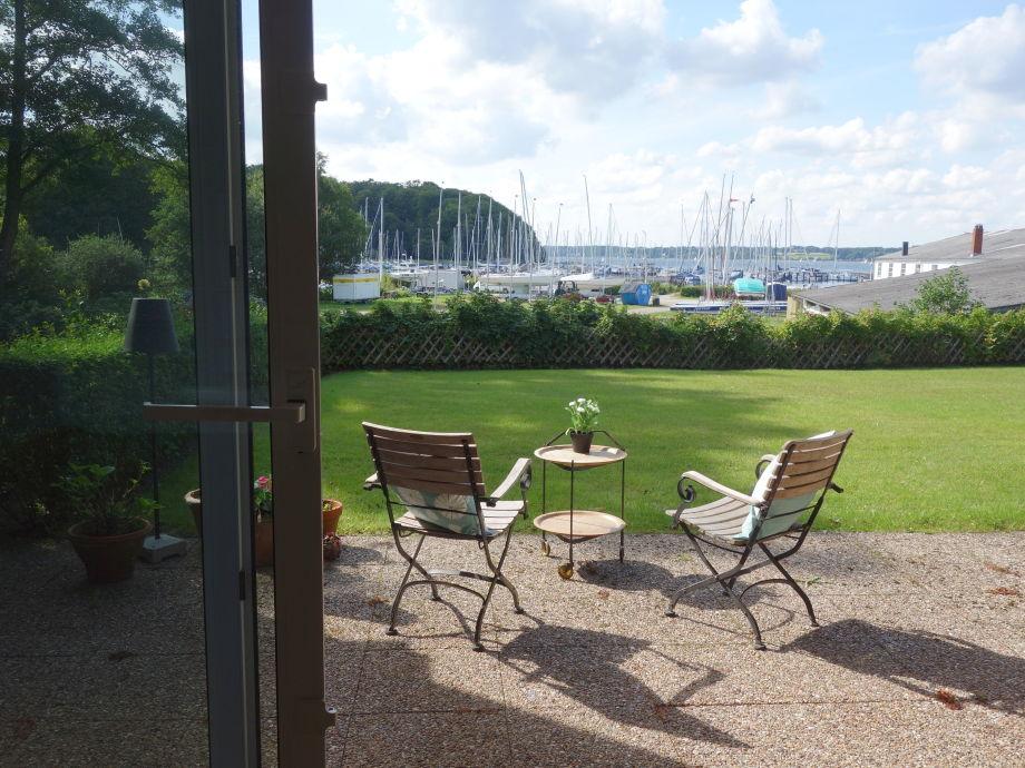 Sommer auf der Terrasse - Blick aus der Wohnung