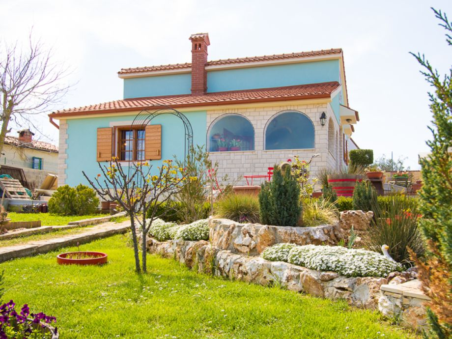 Blick auf das moderne Ferienhaus