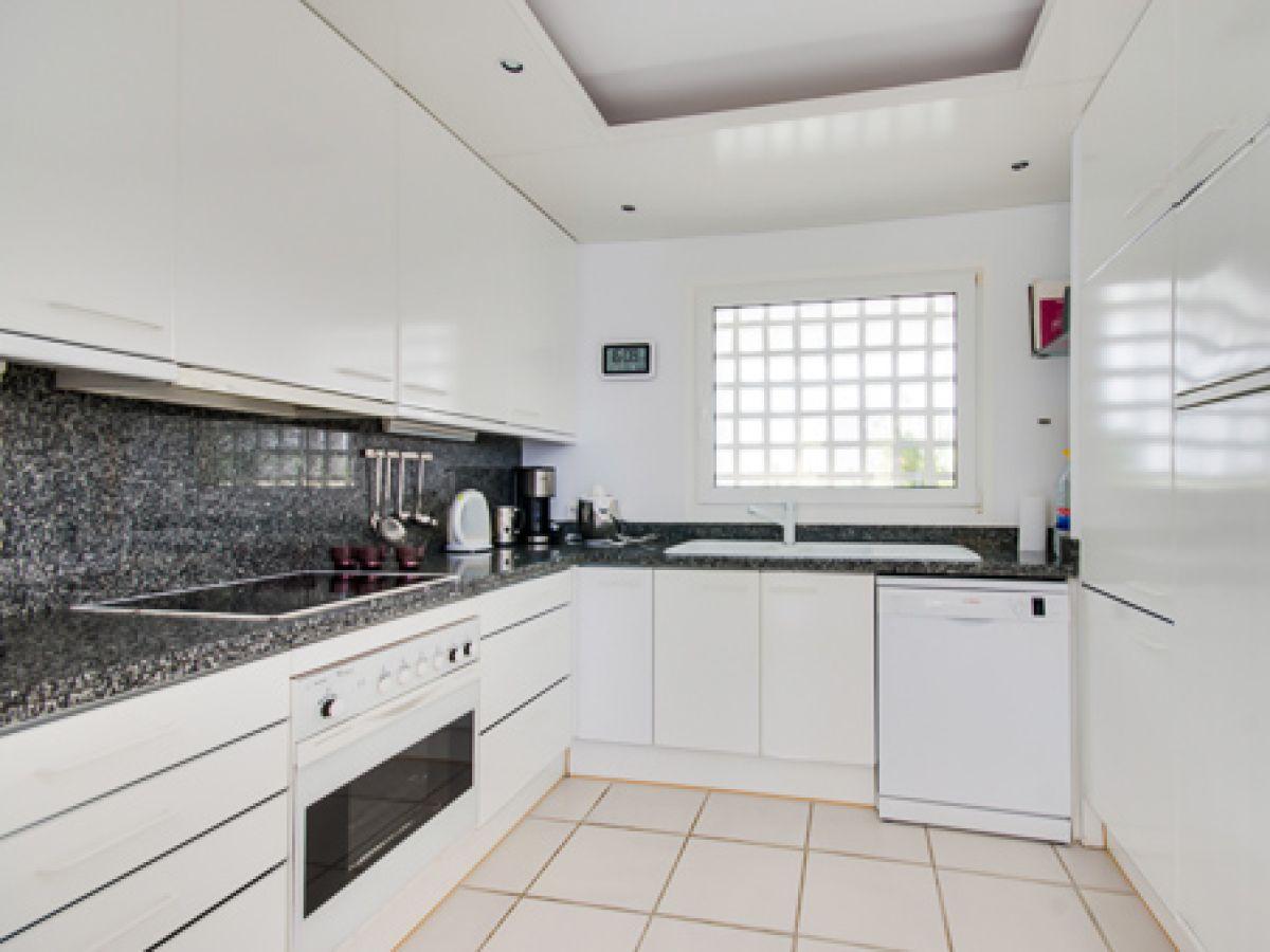 villa stella maris font de sa cala mallorca firma. Black Bedroom Furniture Sets. Home Design Ideas