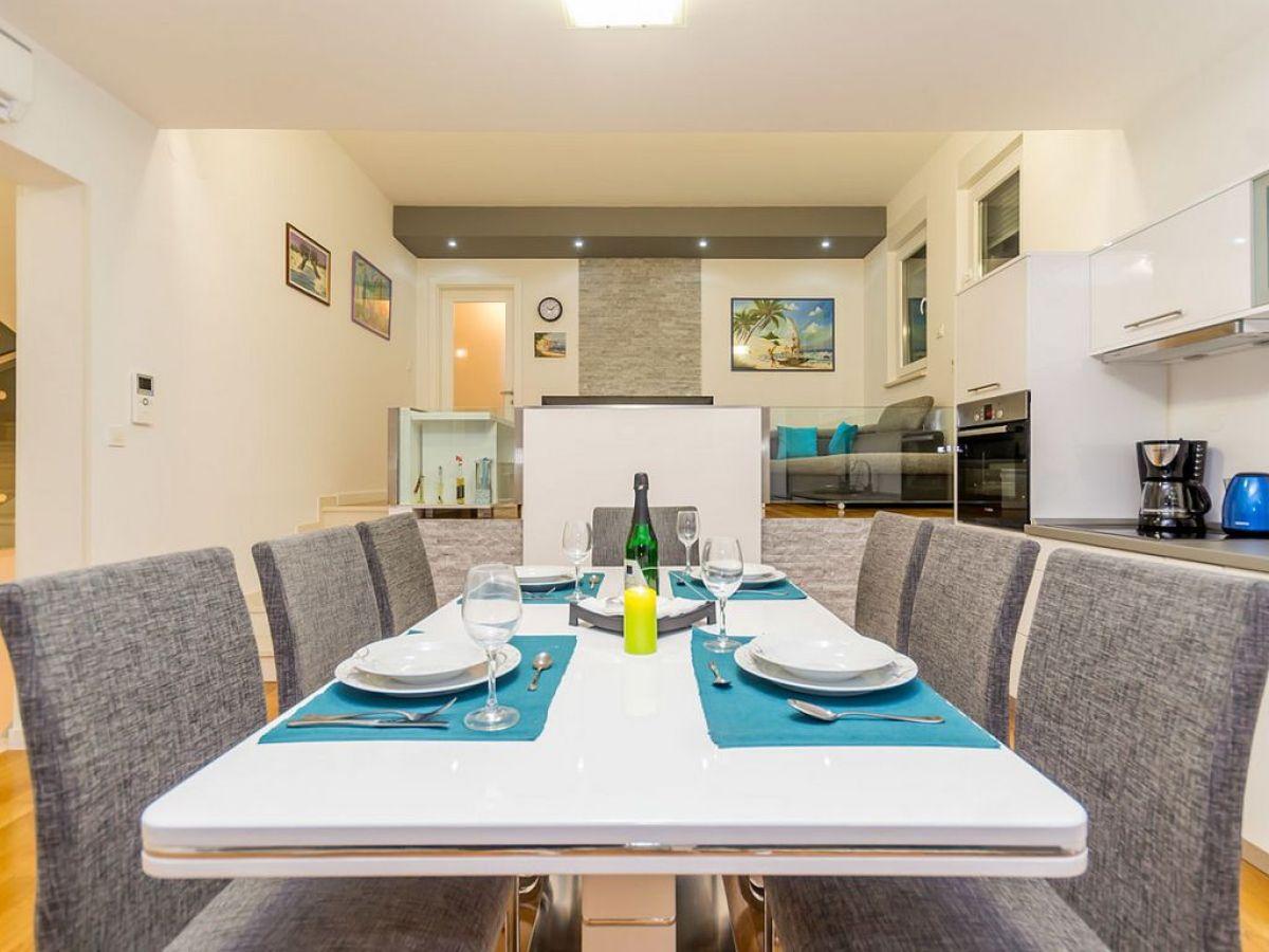 ferienwohnung casa del mar krk njivice firma anna. Black Bedroom Furniture Sets. Home Design Ideas