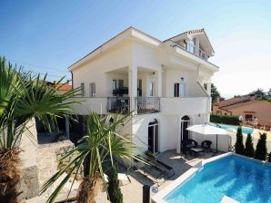 Villa Magic View