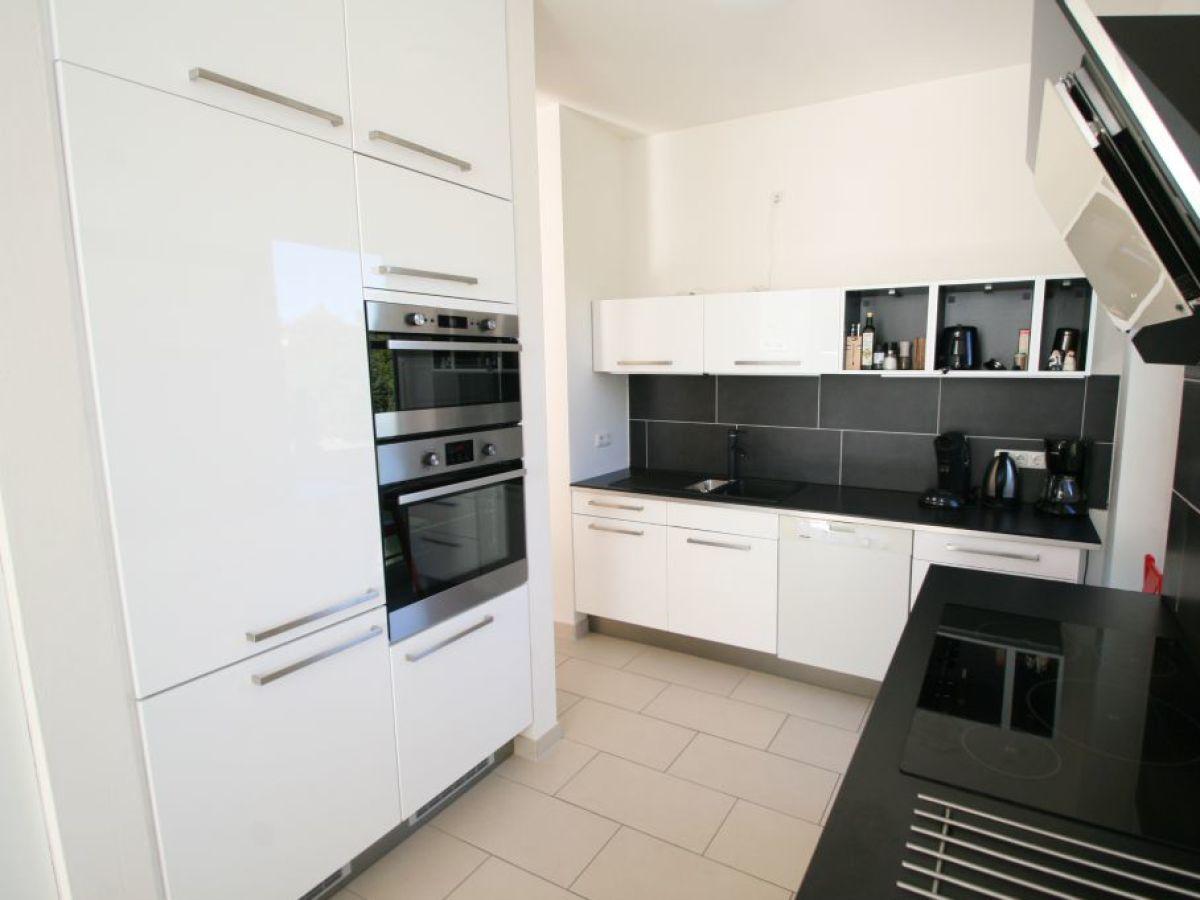Ferienwohnung villa am meer terrasse ostsee firma for Hochwertige einrichtung