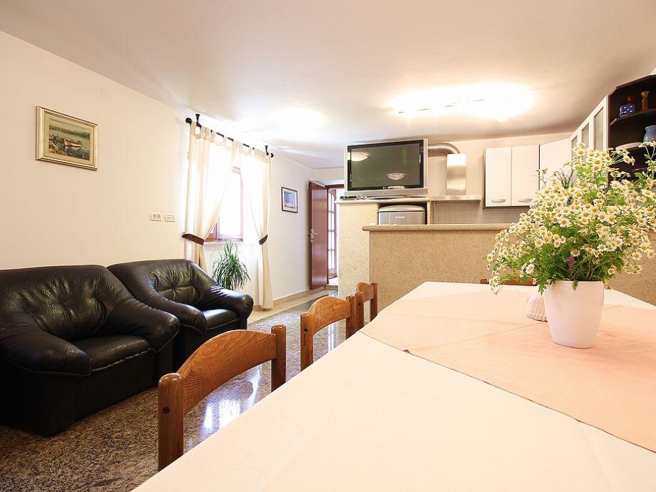 ferienwohnung 710 3 istrien firma reiseb ro blaue adria herr david kiwitt. Black Bedroom Furniture Sets. Home Design Ideas