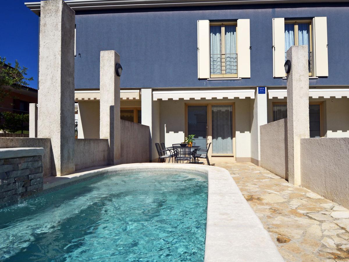 ferienwohnung 729 1 istrien firma reiseb ro blaue adria. Black Bedroom Furniture Sets. Home Design Ideas