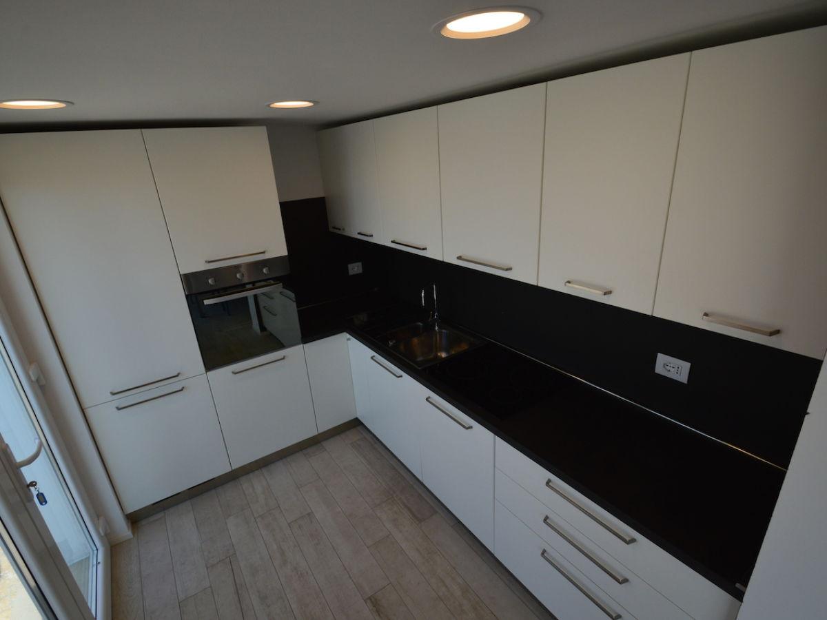 ferienwohnung bruno 1 exclusive mali losinj insel. Black Bedroom Furniture Sets. Home Design Ideas