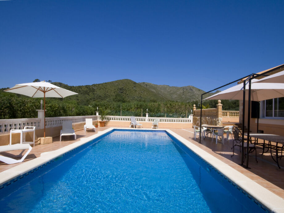 hier lässt es sich entspannen- der private Pool
