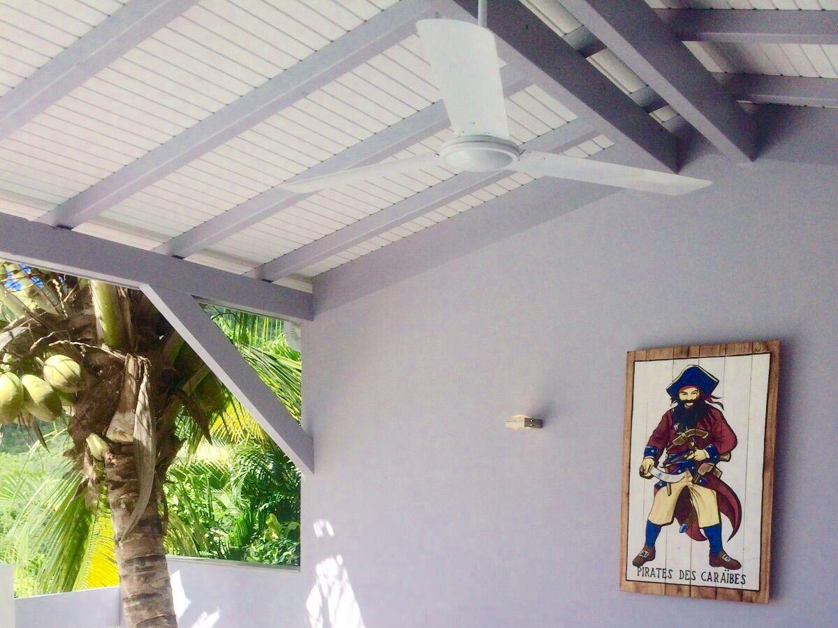 ferienhaus villa lucioles karibik martinique frau. Black Bedroom Furniture Sets. Home Design Ideas