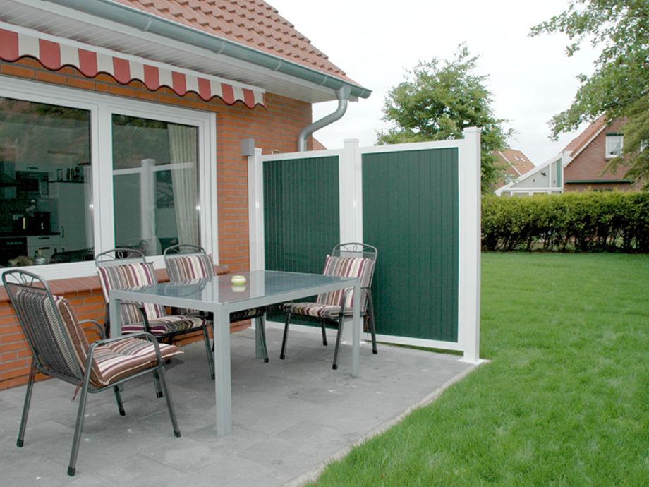 Gemütliche Terrasse zum Garten
