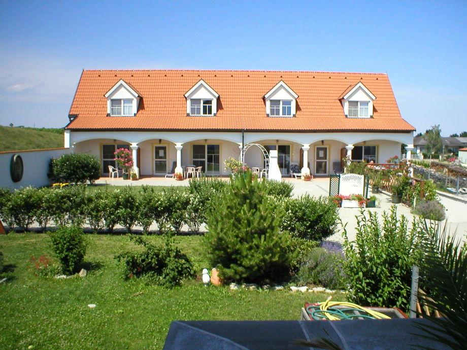 Frontbild der Terrassenwohnung