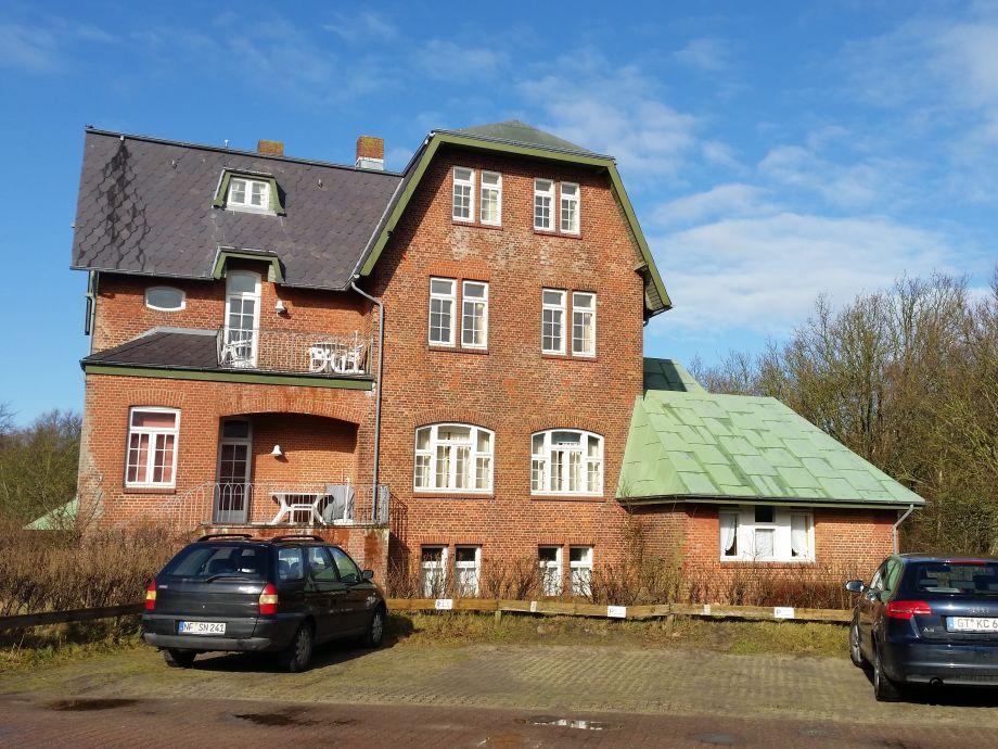 Haus Otto mit PKW Stellplatz