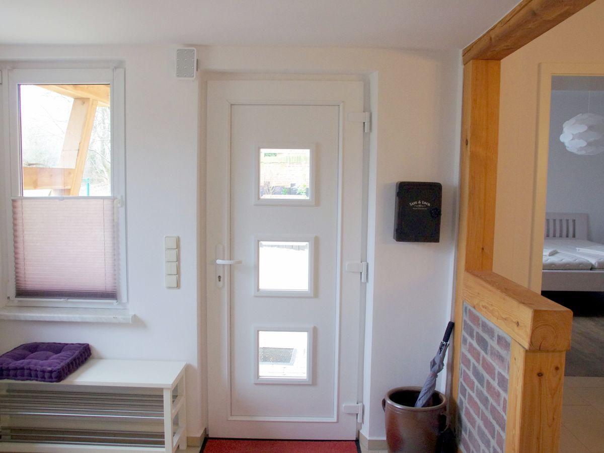 ferienwohnung an de kirch mecklenburgische schweiz firma vermittlung von ferienwohnungen. Black Bedroom Furniture Sets. Home Design Ideas