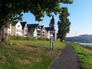 """Ferienwohnung Nr. 4 """"Burg Lahneck"""" im Haus Rheinblick-Koblenz"""