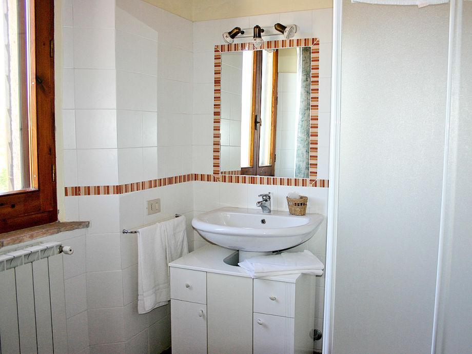 Eines Der 4 Badezimmer, Alle Haben Duschkabinen