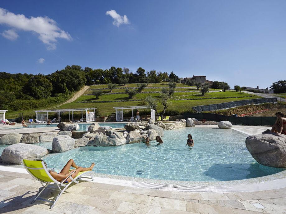 300 m² Poollandschaft mit Becken jeder Art