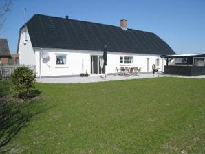 Ferienhaus Bodils Hus (B065)