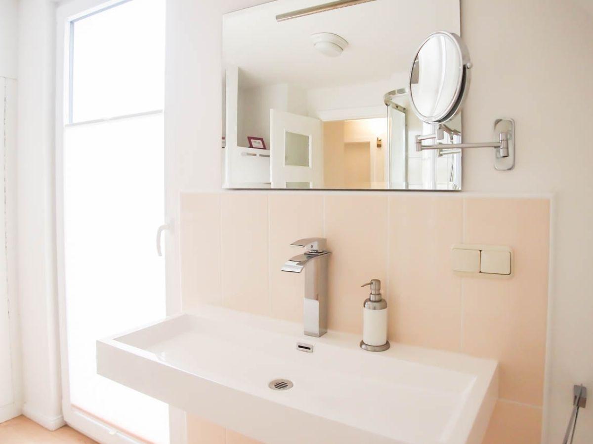 ferienhaus langbehnhus timmendorfer strand ostsee l becker bucht firma ostsee living frau. Black Bedroom Furniture Sets. Home Design Ideas