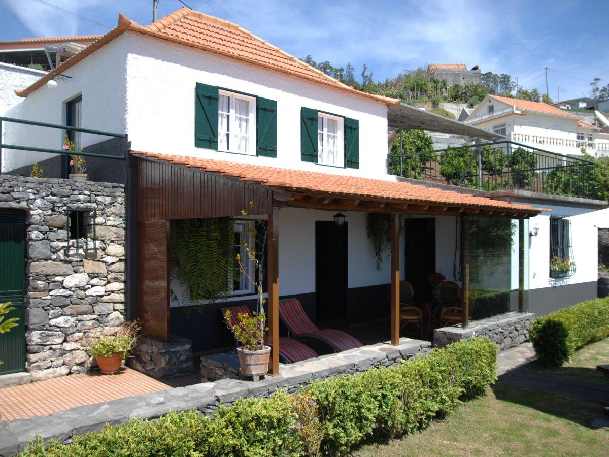 Beeindruckend Haus Mit Veranda Foto Von Tangerina Und Garten