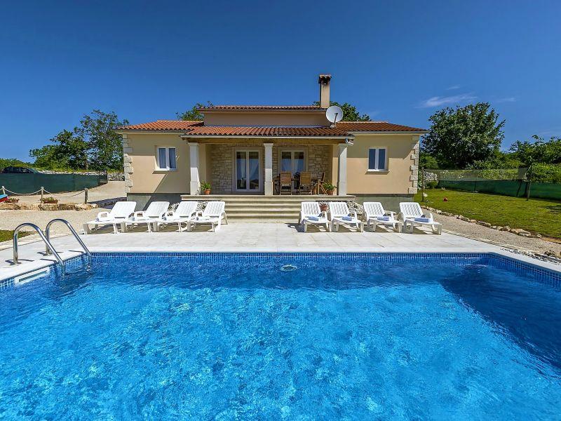 Villa Mikela Grintovica