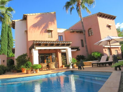 Chalet on golf course in Santa Ponsa
