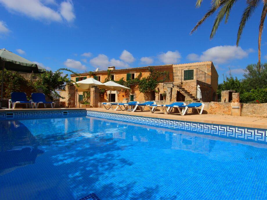 Ferienhaus Olivia mit Pool