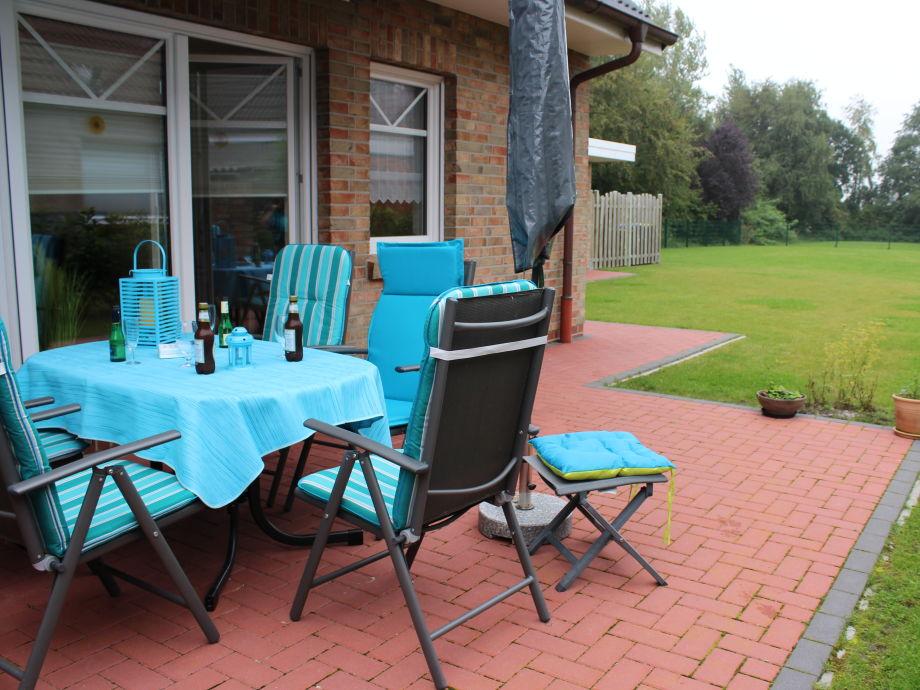 Terrasse und großer eigener Garten