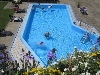 mit Schwimmbad und Sauna