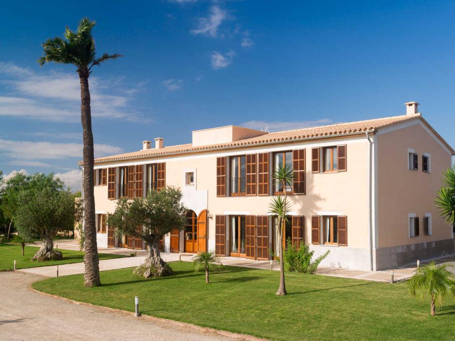 Außenaufnahme Luxuslandhaus 6 suiten | ID 780533