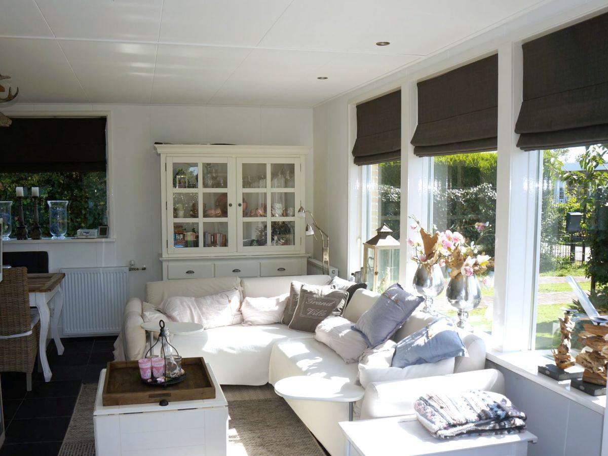 Ferienhaus de horizon 20 renesse firma sorglos urlaub in - Eingerichtete wohnzimmer ...