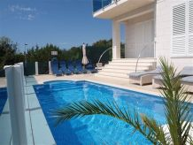 Villa Luxury villa with pool