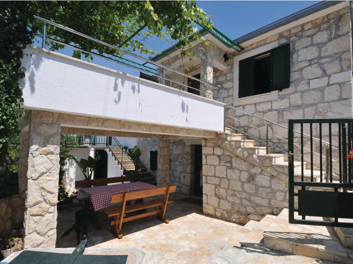 Traditionelles ferienhaus mit pool dalmatien firma for Ferienhaus mit pool
