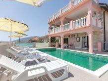 Ferienhaus Budgethaus mit Pool