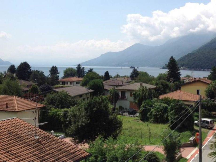 ... schöner See- und Bergsicht