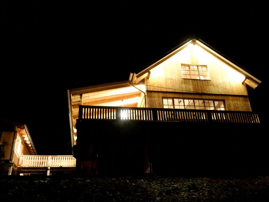 Romantikhütte Rothaarsteig mit Steg zu Carport