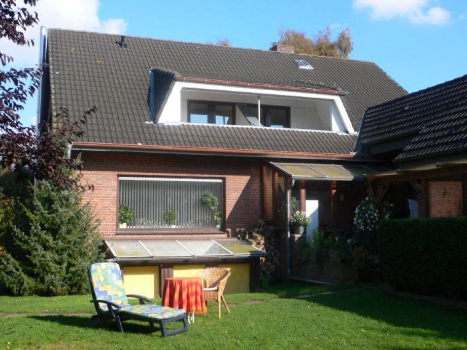 Gartenbereich mit Balkon in Süd-Westlage