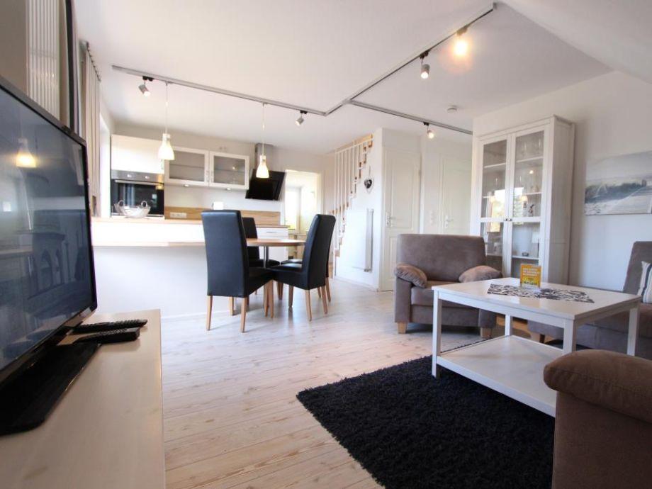 Wohnbereich in Blickrichtung Küche