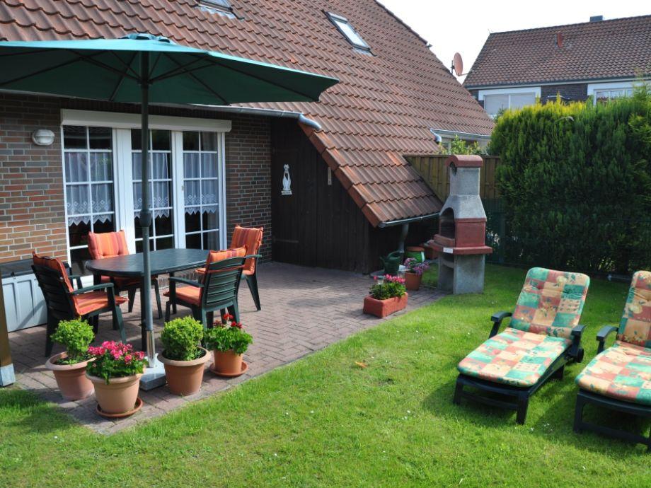 Terrasse mit eingezäuntem Garten
