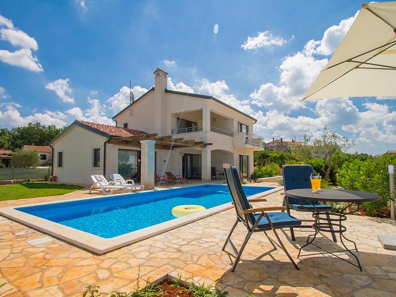 Villa Nira