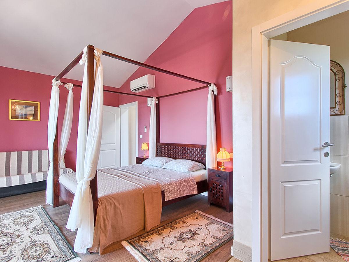 villa ari istrien pula firma my istria. Black Bedroom Furniture Sets. Home Design Ideas