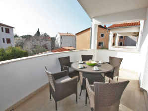 Holiday apartment G.35, 100 m from the beach