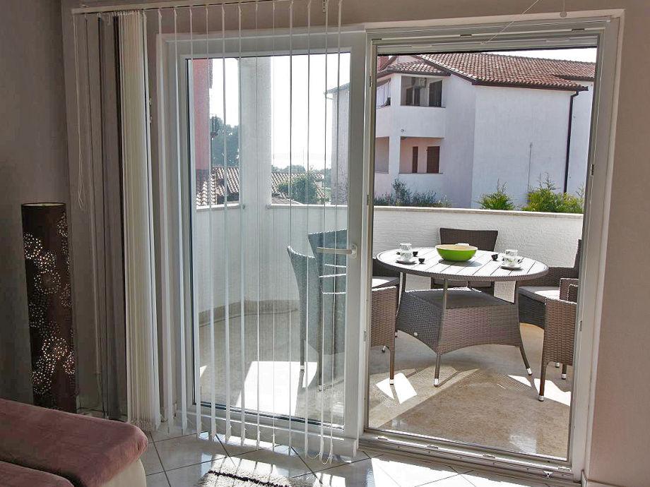ferienwohnung 100 m vom kiesstrand fazana istrien firma obrt za turizam bonsai ivan. Black Bedroom Furniture Sets. Home Design Ideas