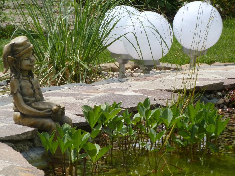 Elfe am Teich