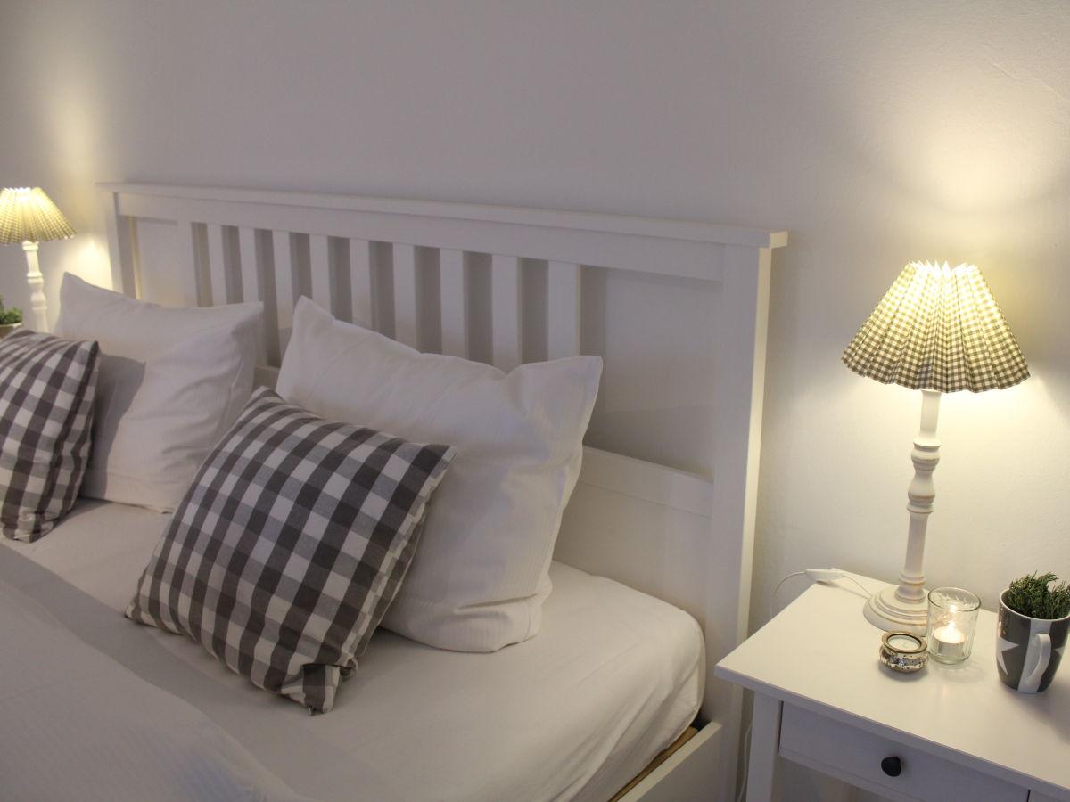 schlafzimmer lila weiß norderstedt