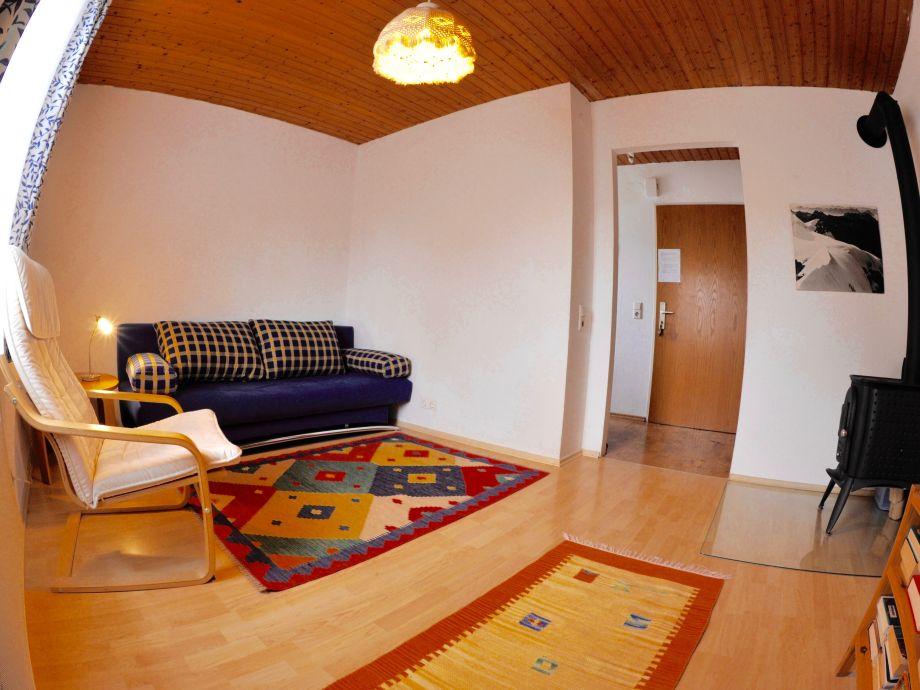 Wohnzimmer (mit Fischaugenlinse fotografiert)