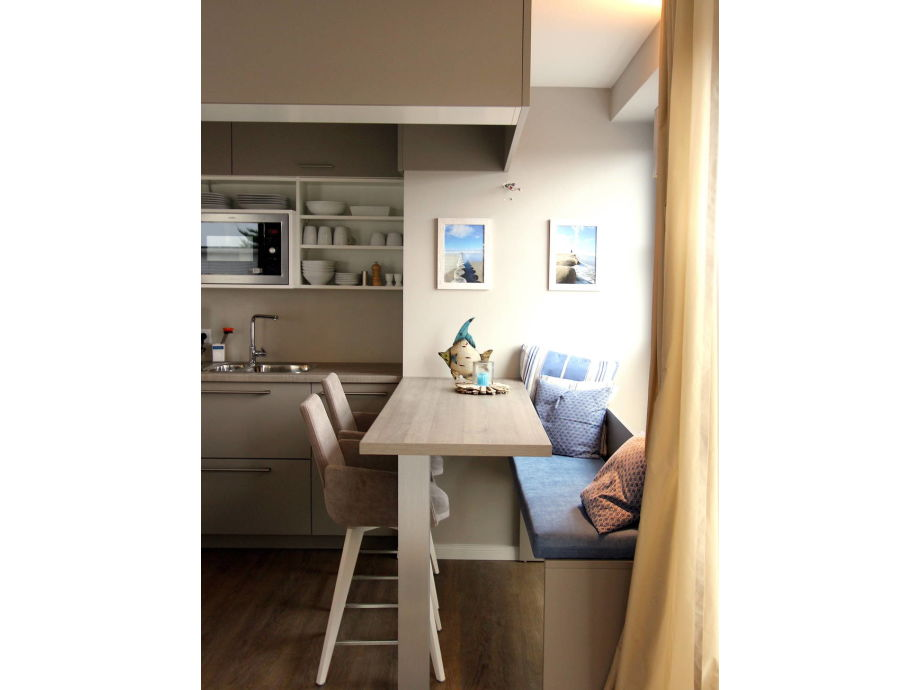 Blick zur Küche mit Tresen