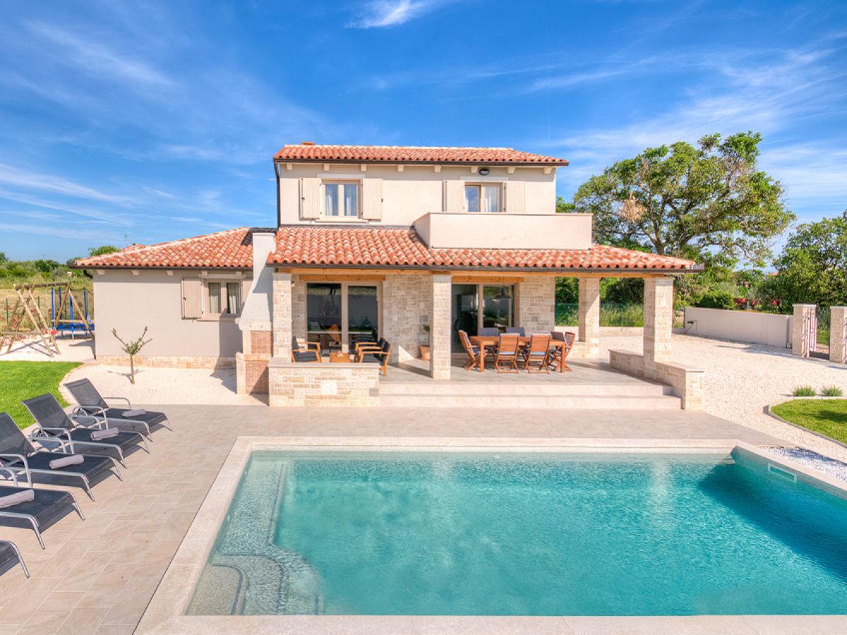 Villa prato istrien marcana firma my istria for Fare una villa