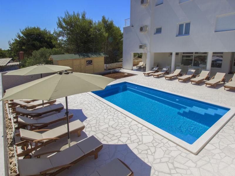 Holiday apartment Vodice with pool