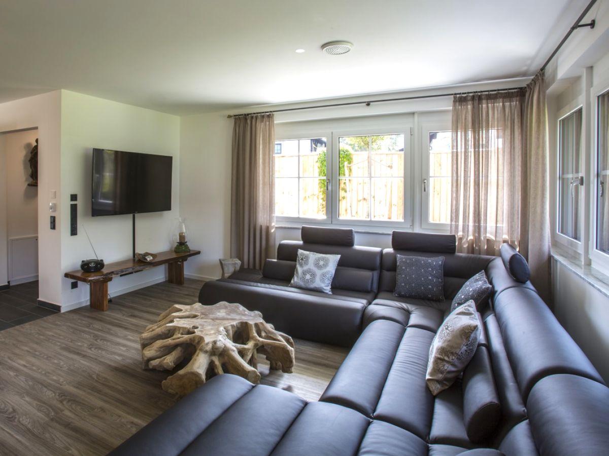 Ferienhaus garten residence oberbayern garmisch for Wohnlandschaft 10 personen
